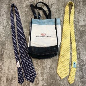 VINEYARD VINES | Two Neck Ties and Reusable Bag